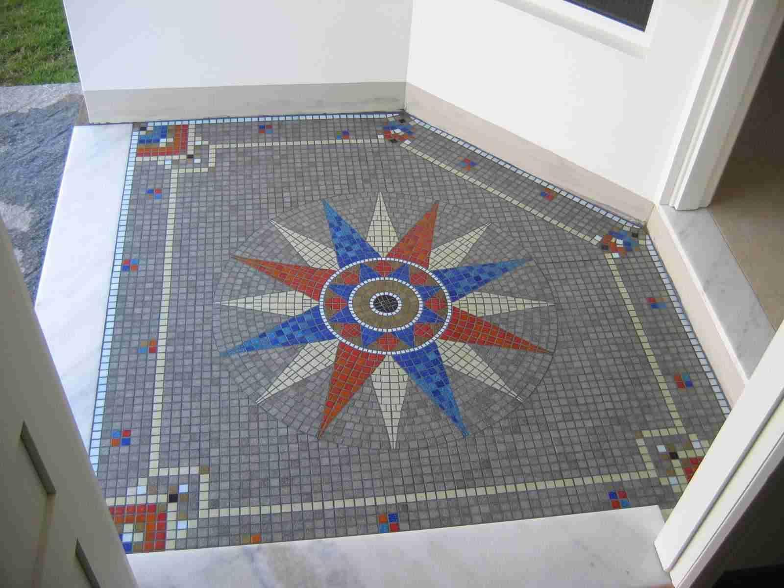 Arte em mosaico for Mosaico para piso